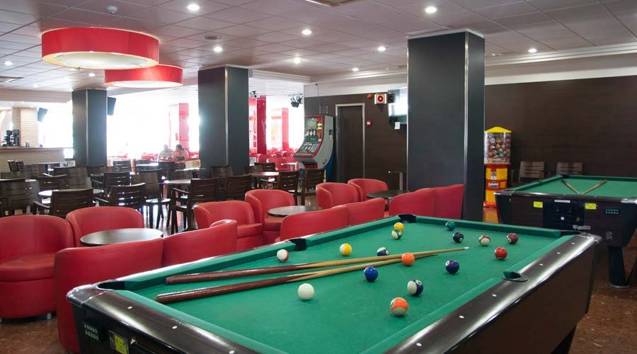 Pool table hotel calella